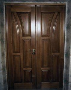 Купить двери из дерева в Кривом Роге
