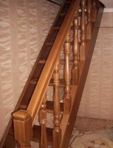 Заказать изготовление деревянной лестницы в Кривом Роге